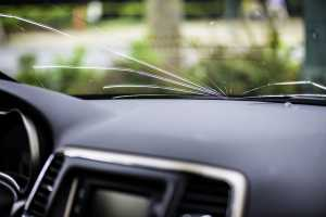 Is it legal to drive with a cracked windscreen